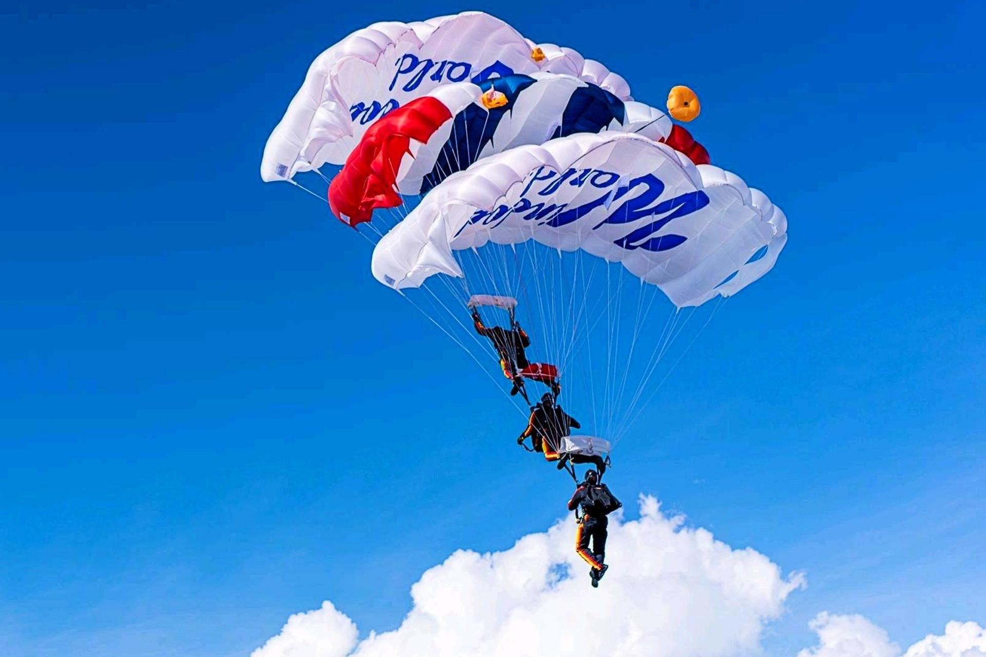 Header Wwmi Parachutes