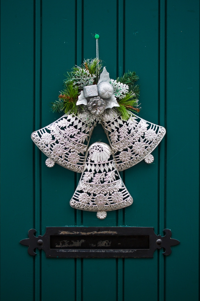 Hanging bells on door