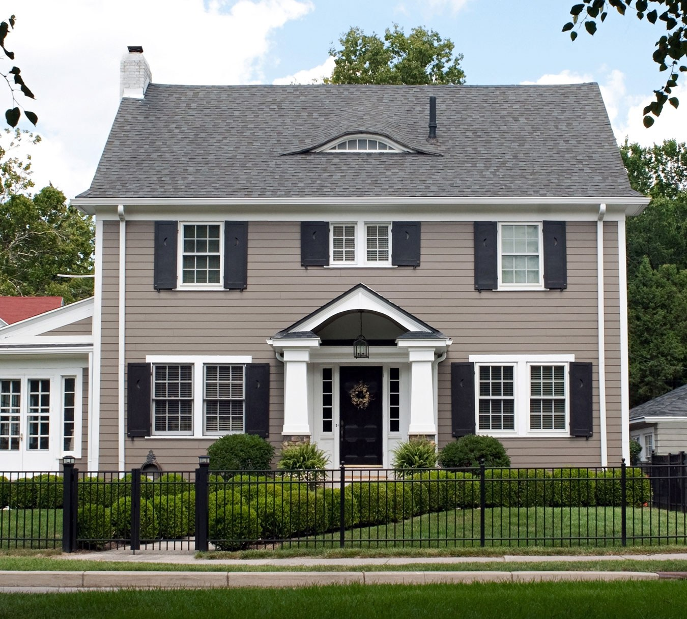 1500 Series Siding House